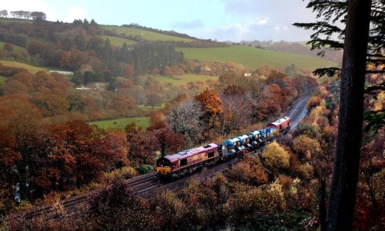 Railways ready to tackle autumn leaves on the line