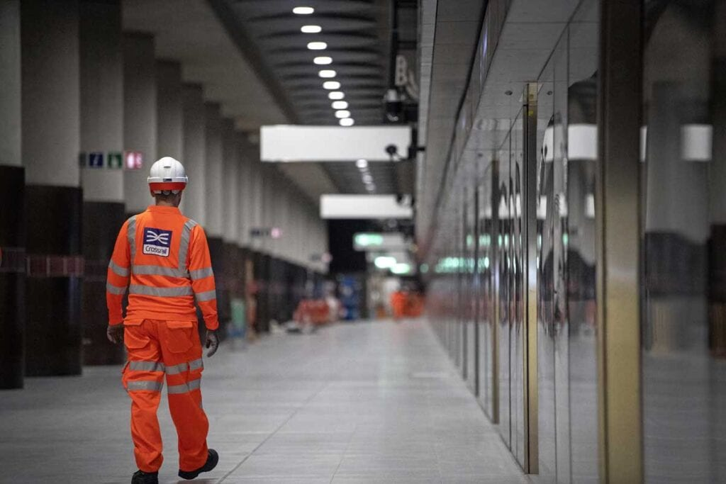 Report warns 'forensic focus' needed to deliver Crossrail